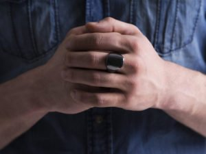 OURA_ring_hands